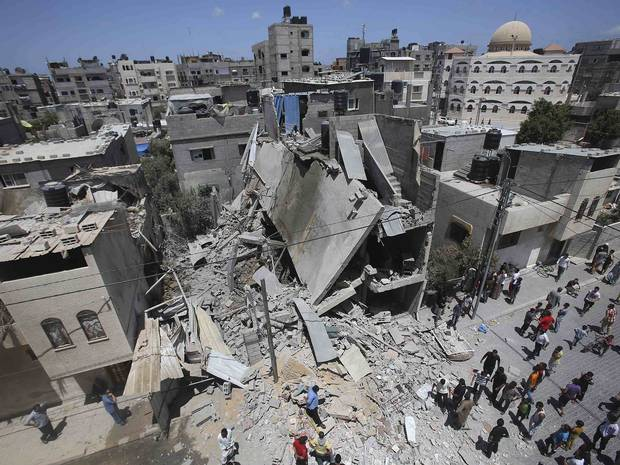 Israel attacks palestine (4)